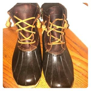 Sperry. Size 9 winter boots!